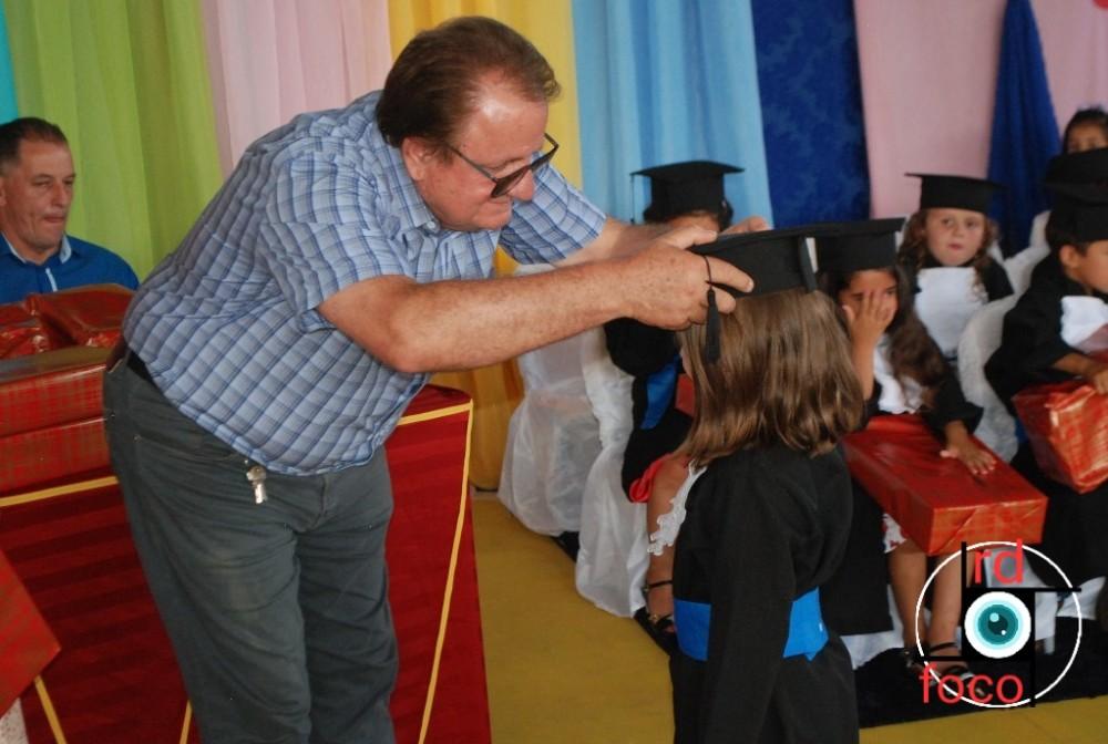 Formatura do Pré Escolar das Escolas Assis Brasil do Sítio Cassemiro e Doutor Getúlio Vargas da Linha Mânica