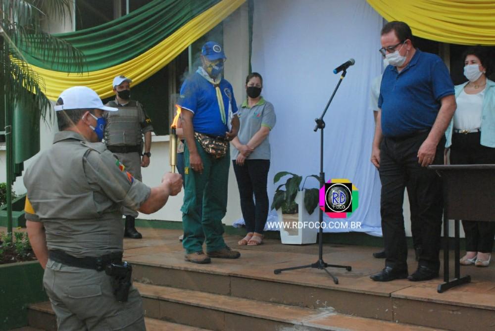 Redentora recebe a centelha do fogo simbólico da Pátria
