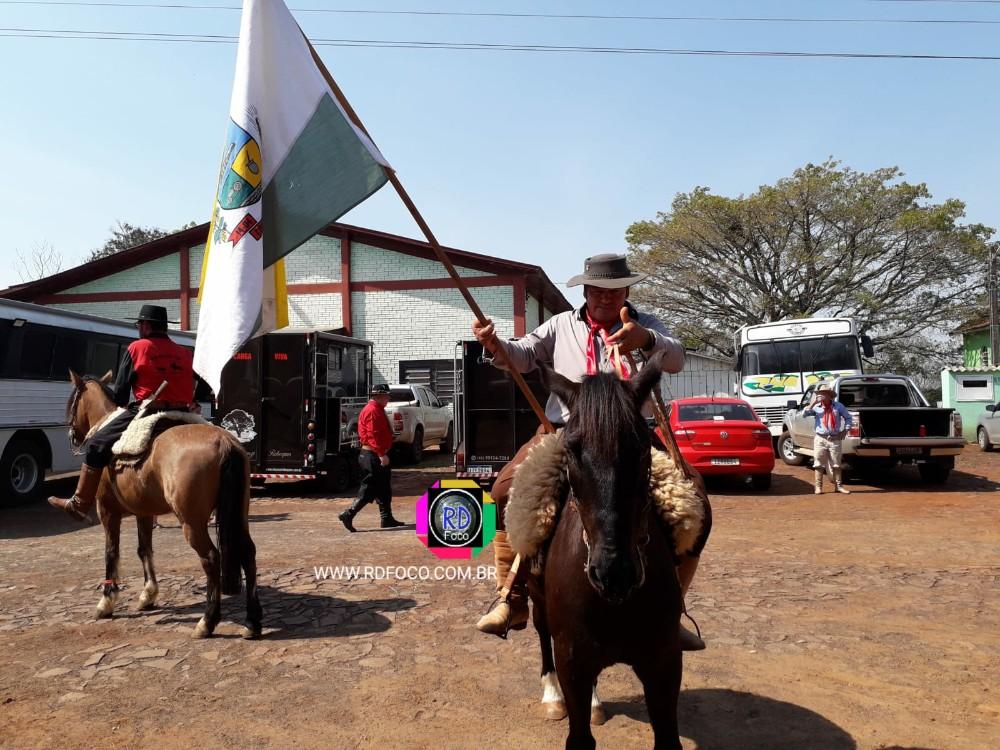 Chegada dos cavalarianos na Comunidade Santa Terezinha de Vista Alegre Redentora