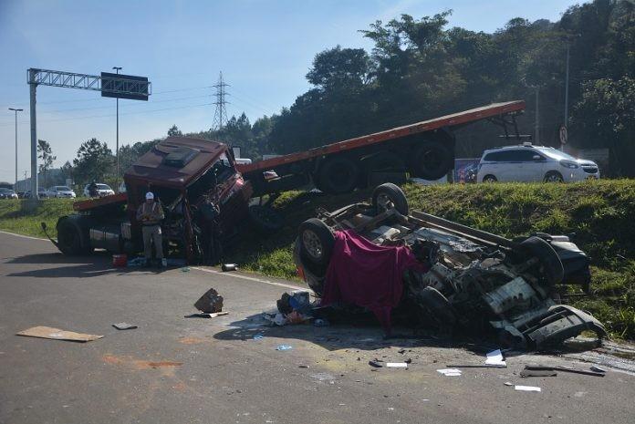 Confirmada a quarta morte decorrente do acidente com veículo e carreta na RS-239