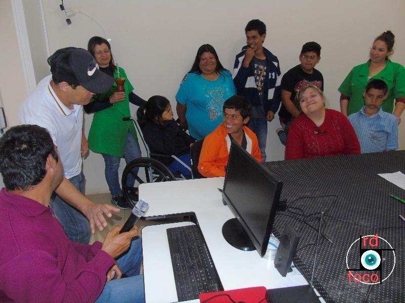 Alunos visitando o Site RD Foco. Fotos: RD Foco