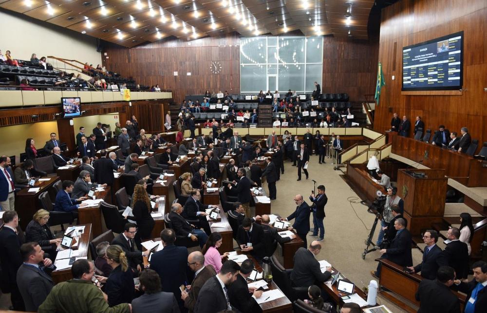 Matéria teve 38 votos favoráveis | Foto: Vinnicius Reis / AL-RS / Divulgação CP