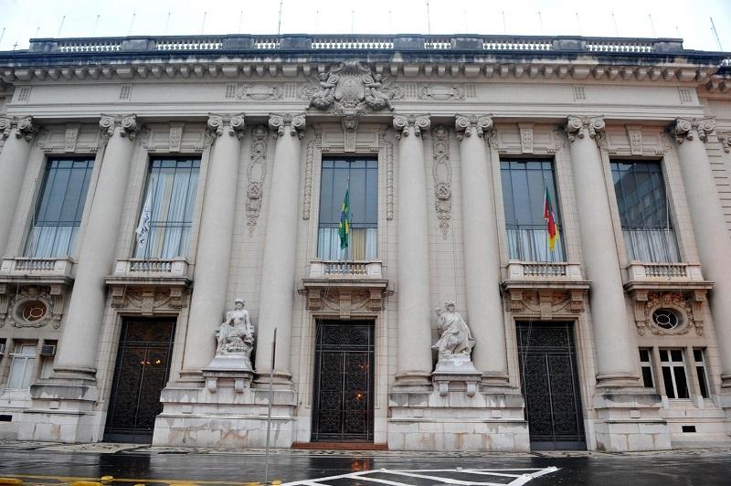 Palácio Piratini estimou, inicialmente, formalizar a venda na metade de 2020 | Foto: Mauro Schaefer / CP Memória