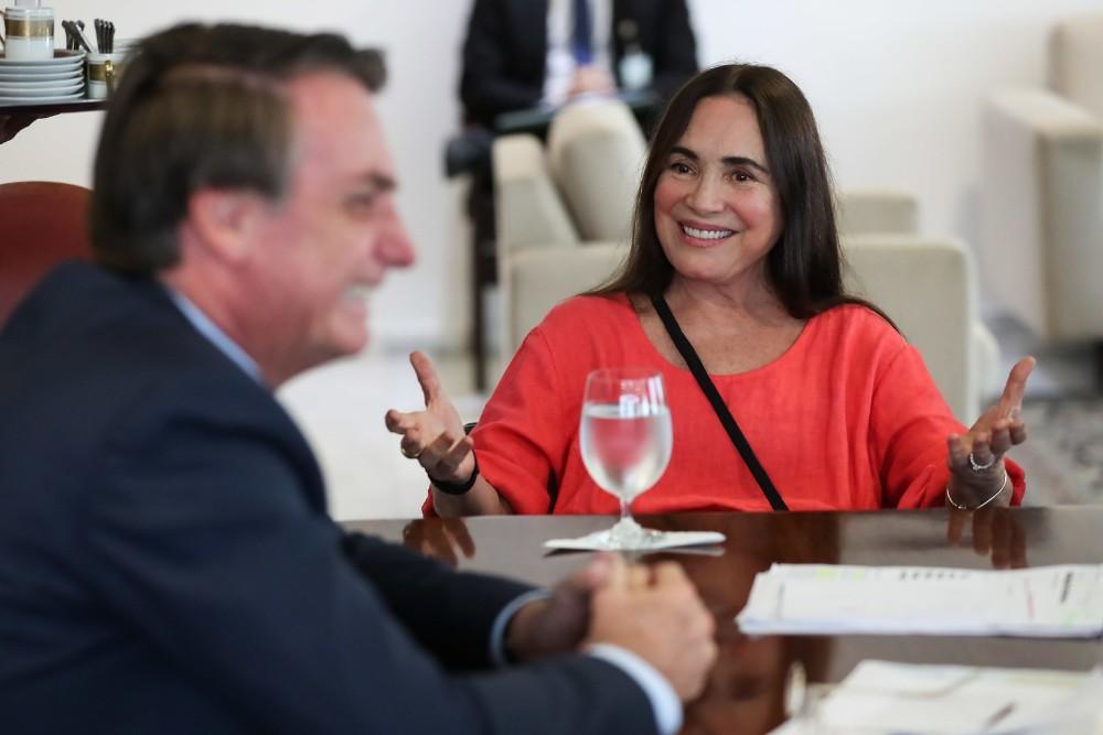 Regina Duarte aceita convite de Bolsonaro para assumir Secretaria de Cultura