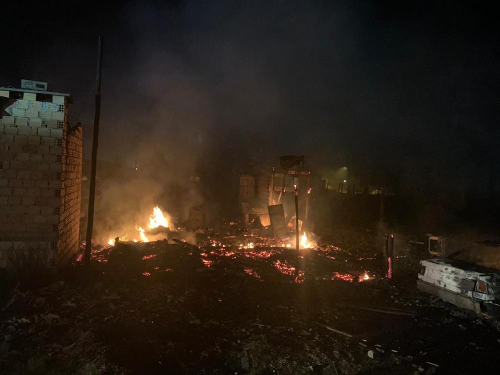 Incêndio deixa duas pessoas mortas e feridos em Capão da Canoa — Foto: Divulgação/Brigada Militar