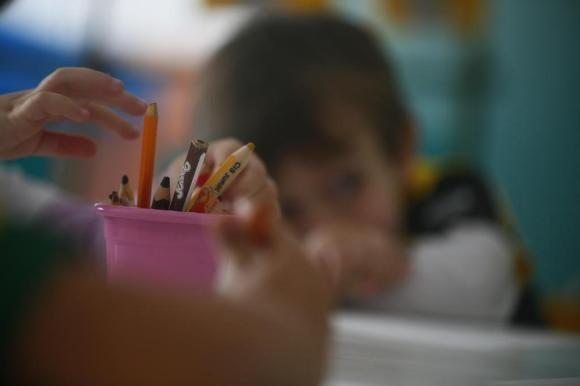 MP recomenda que municípios não sigam lei estadual que permite crianças de cinco anos no Ensino Fundamental.