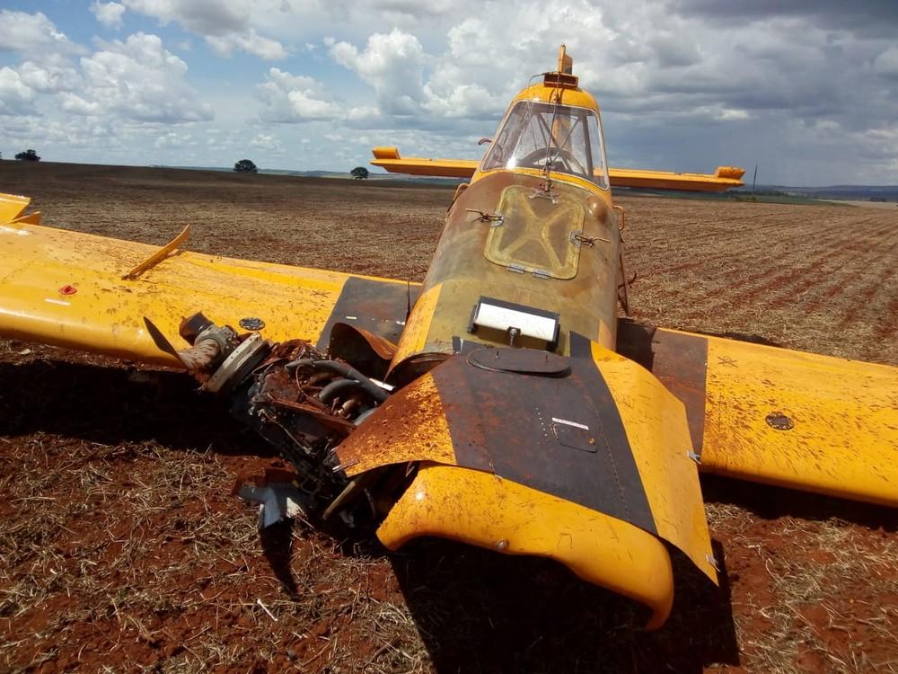 Avião caído em fazenda em Patrocínio — Foto: Corpo de Bombeiros/ Divulgação