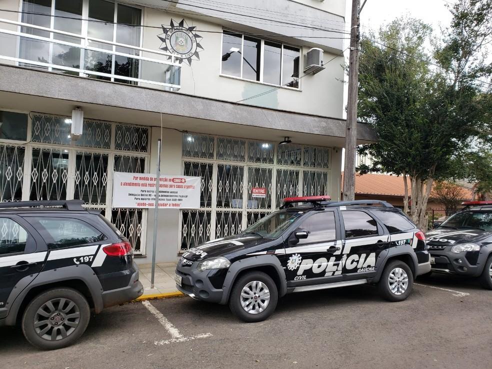 Travesti é presa suspeita de matar cliente em motel de Erechim