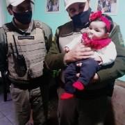 Soldados visitam família de recém nascida que auxiliaram no salvamento em Sant'Ana do Livramento