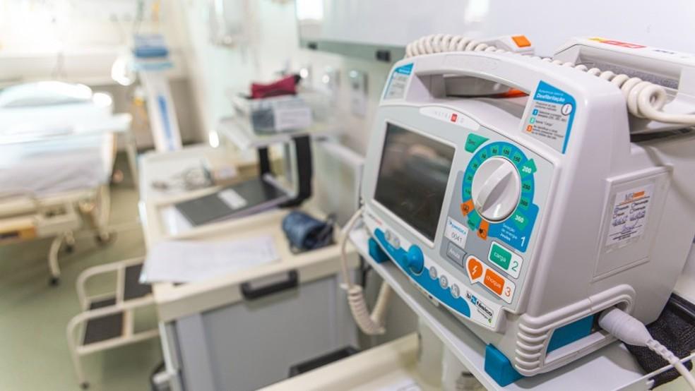 Baixa nos estoques de medicamentos do chamado kit intubação levou governo a pedir cancelamento de cirurgias — Foto: Divulgação/SES