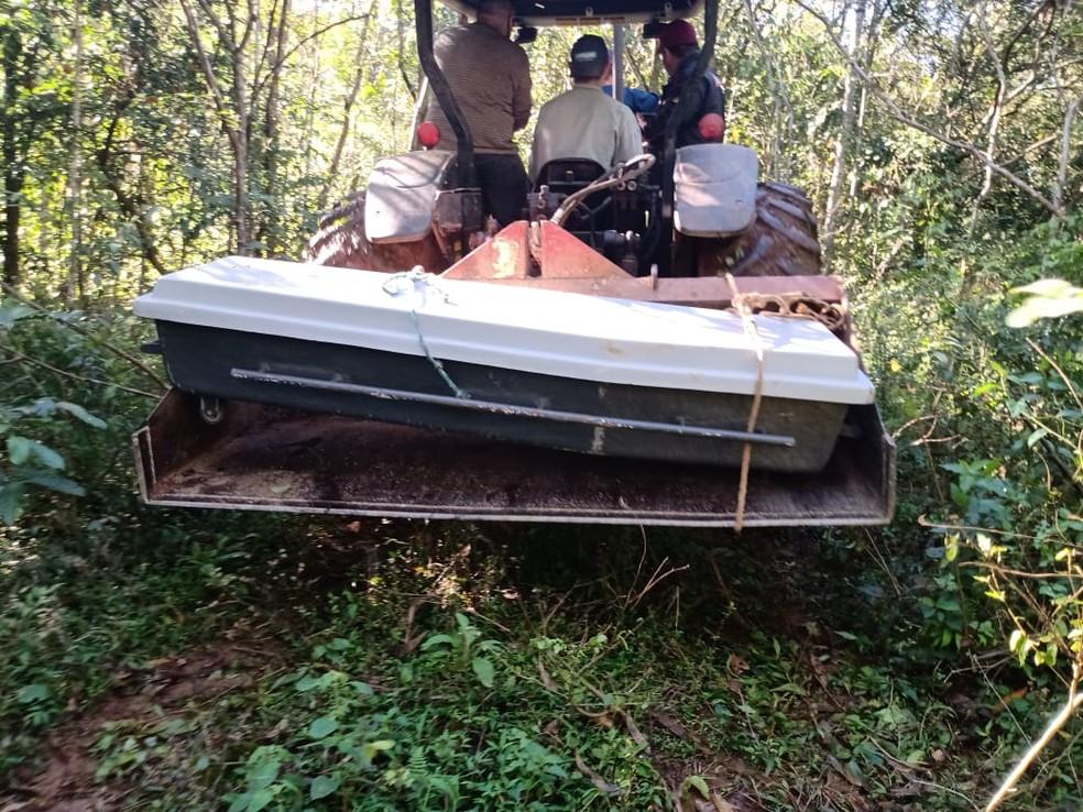 Corpo de mulher foi encontrado às margens do Rio Uruguai, em Marcelino Ramos. — Foto: Élinton Machado/RS Agora
