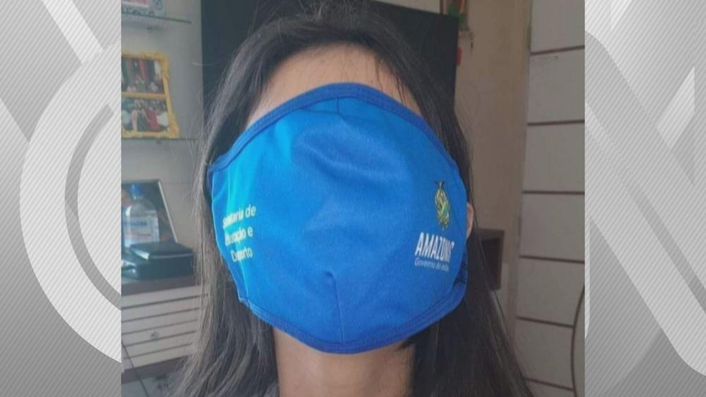 As máscaras de tamanho desproporcional viraram memes nas redes sociais. Foto: Reprodução/CNN