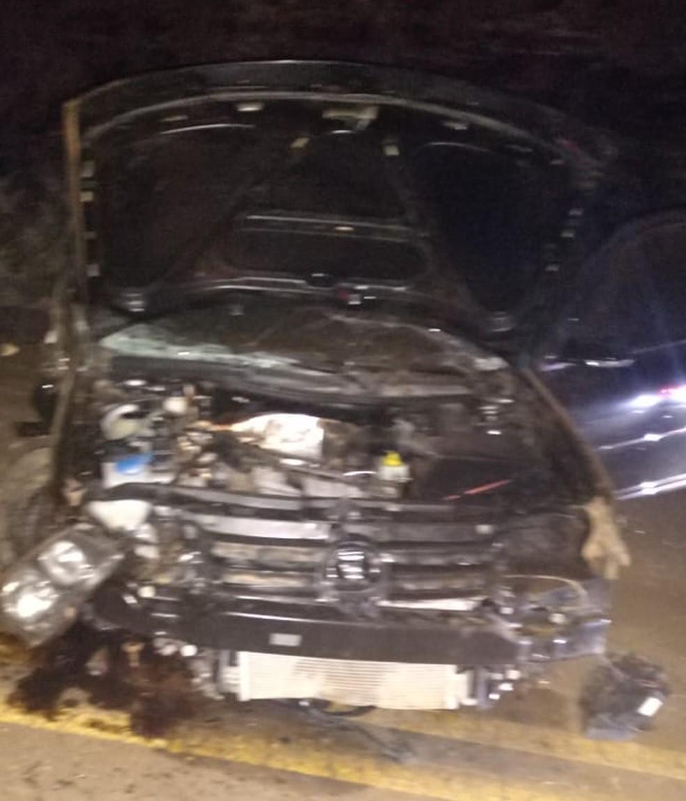Jovem morre e outros três ficam feridos após carro capotar em rodovia no Oeste de SC
