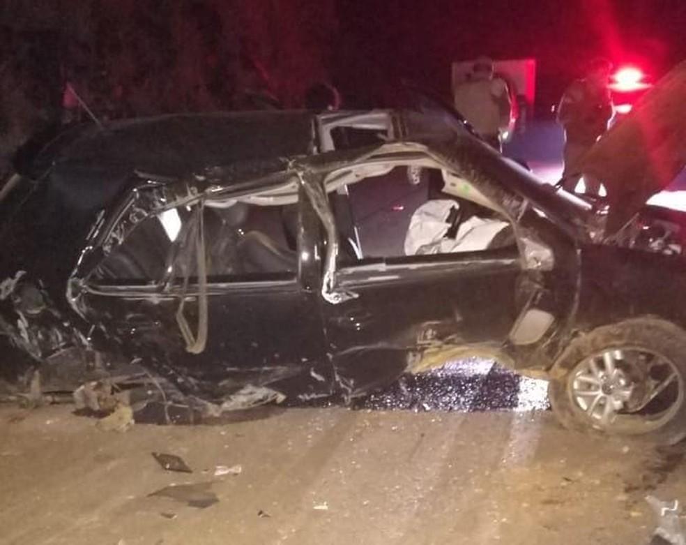 Acidente na madrugada desta sexta-feira em Curitibanos, no Oeste catarinense, deixou uma jovem morta e três feridos — Foto: Polícia Militar Rodoviária