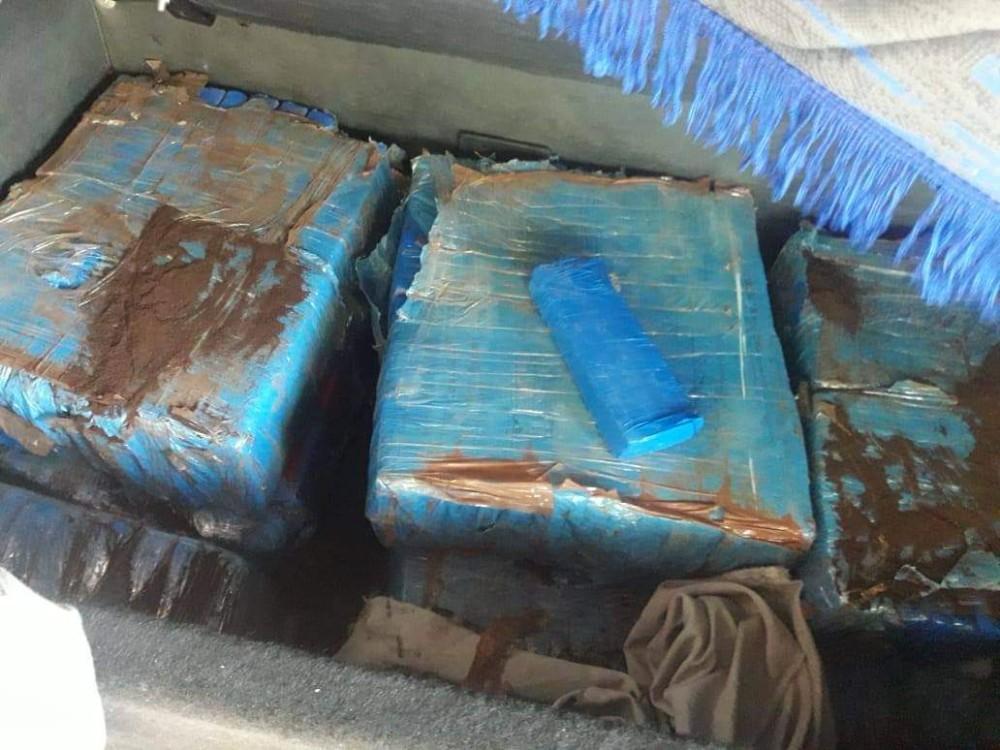 Policiais Militares do 1º BRBM e PRF realizam prisão por tráfico de drogas em Cruz Alta - RS