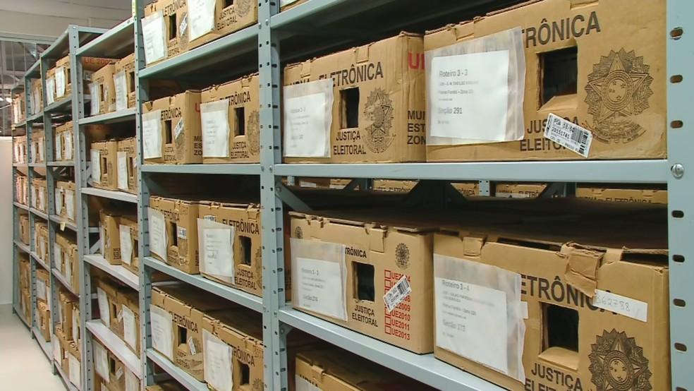 Urnas eletrônicas para as eleições municipais — Foto: Reprodução/RBS TV