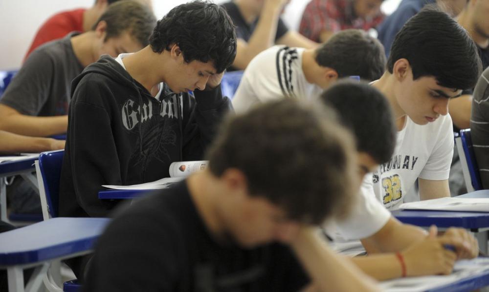 Provas do ENEM começam a ser aplicadas neste domingo em todo o Brasil (Foto: Wilson Dias / Agência Brasil)