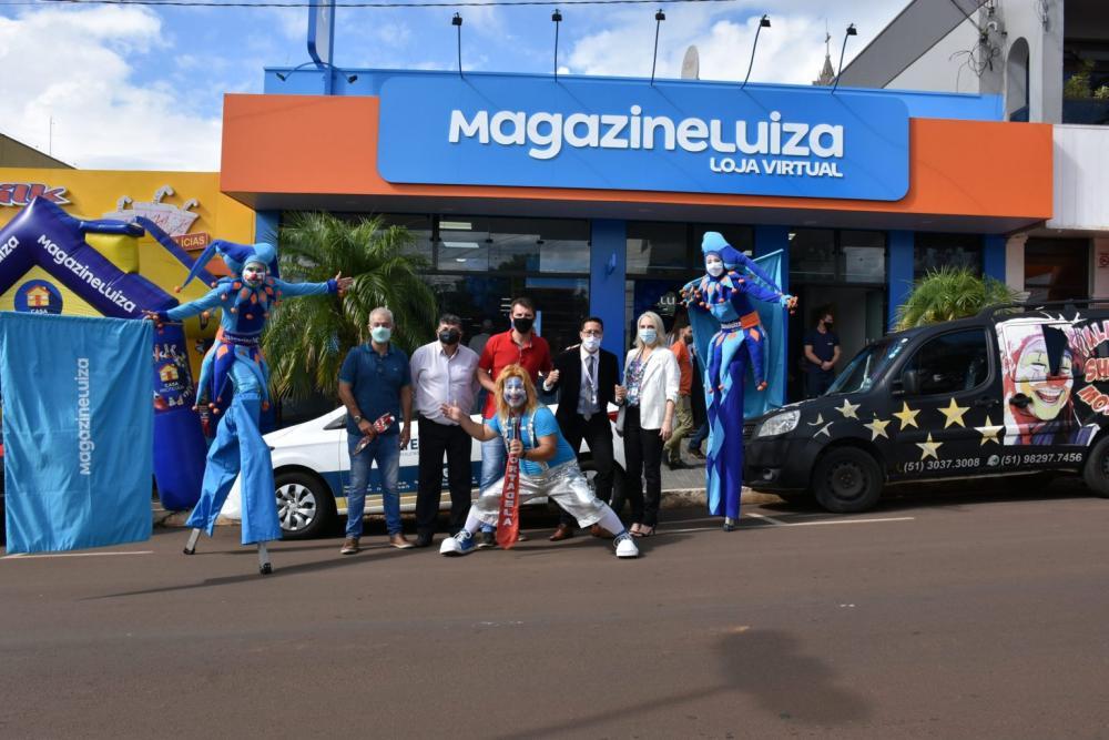 Inauguração da Magalu, em Três Passos (Fotos: Mariana Buchner / Rádio Alto Uruguai)