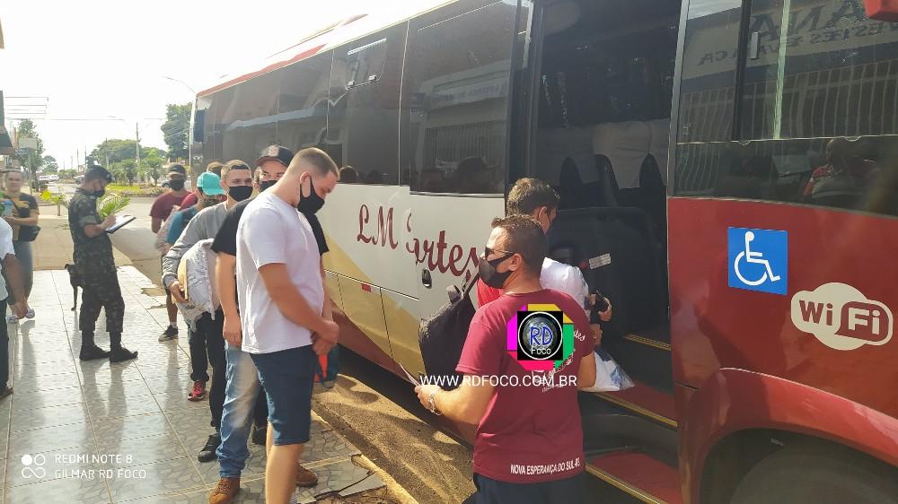 Jovens redentorenses embarcaram nesta segunda para cumprir o Serviço Militar em Santiago