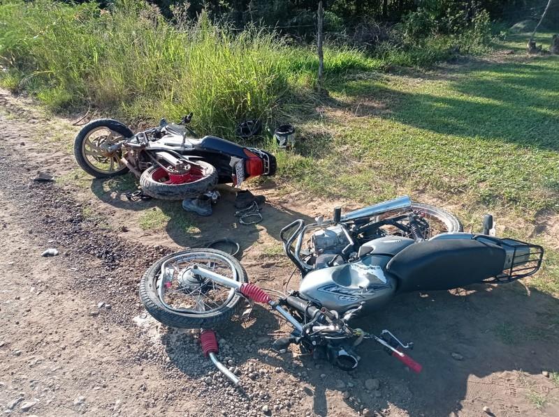 Identificado jovem morto em colisão frontal entre duas motocicletas em Pinheirinho do Vale