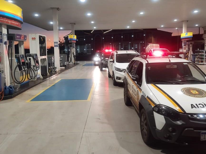 Coronel Bicaco: Agentes Municipais e BM realizam ações visando o cumprimento do Decreto sobre a Covid-19