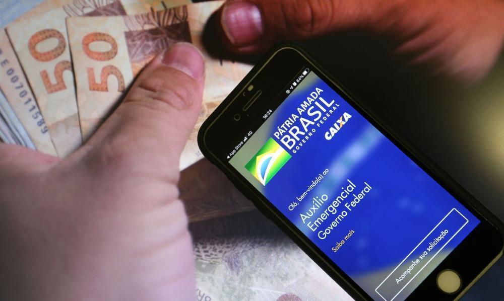 Pagamento da primeira parcela do benefício terminou em abril para todos os públicos. Foto: Marcello Casal Jr./Agência Brasil