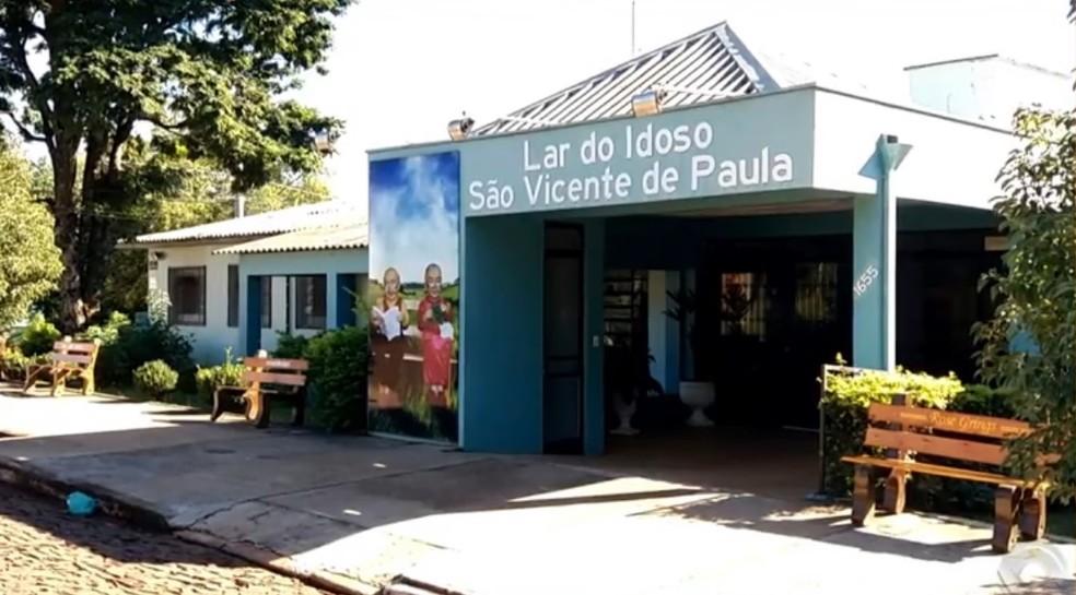 Lar do Idoso São Vicente de Paula, em São Luiz Gonzaga — Foto: Reprodução/RBS TV