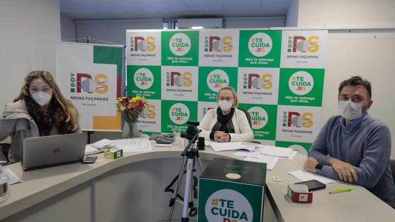 Secretária da Saúde, Arita Bergmann (ao centro na foto), comandou as reuniões - Foto: Itamar Aguiar / Palácio Piratini