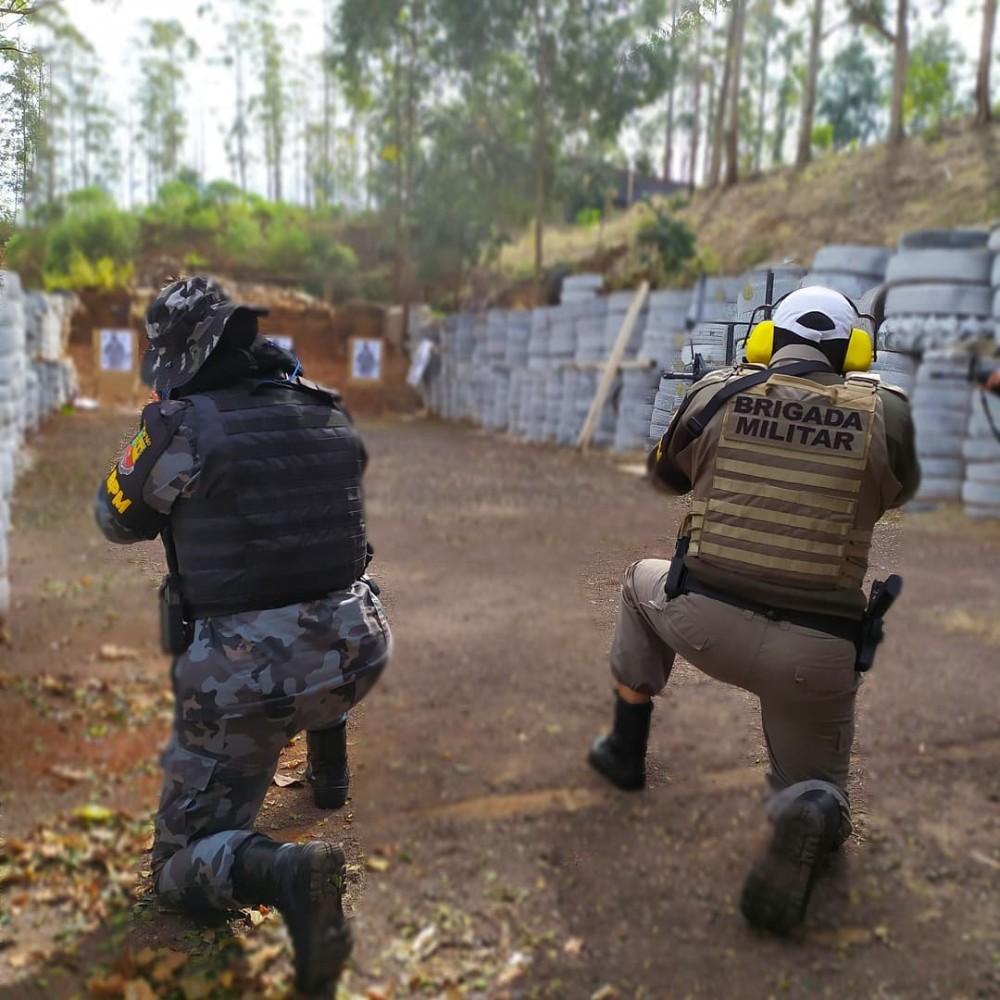 Policiais Militares do 37º BPM recebem treinamento de tiro