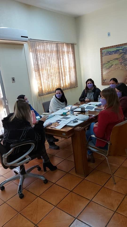 Coronel Bicaco: Grupo de atendimento à mulher contra a violência doméstica esteve reunido - RD Foco