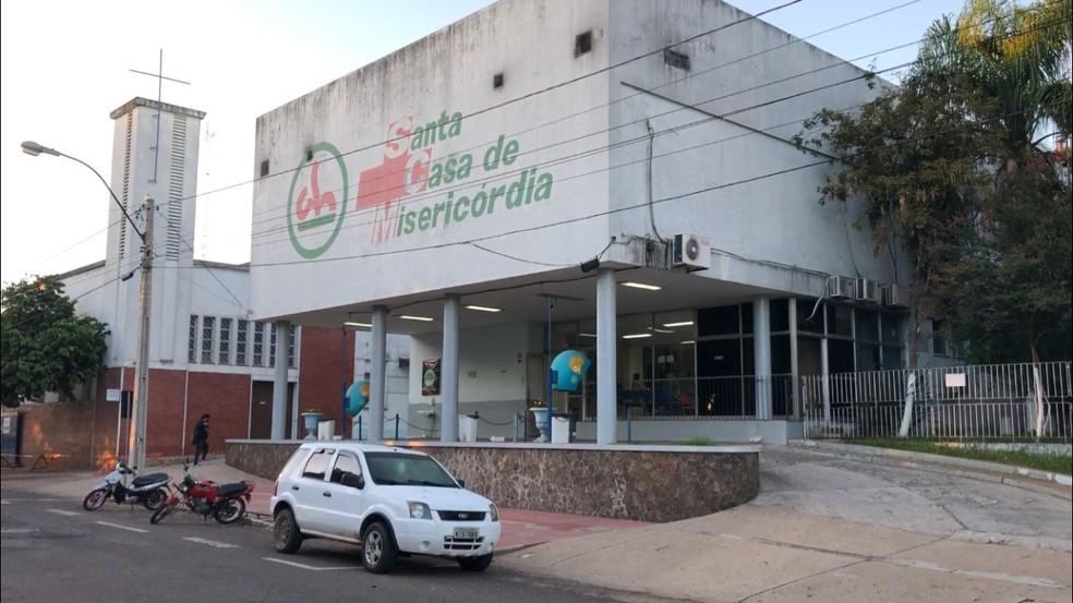 O hospital atende, em média, 120 pessoas junto ao pronto-socorro e faz 25 internações por dia — Foto: João Lamas/RBS TV