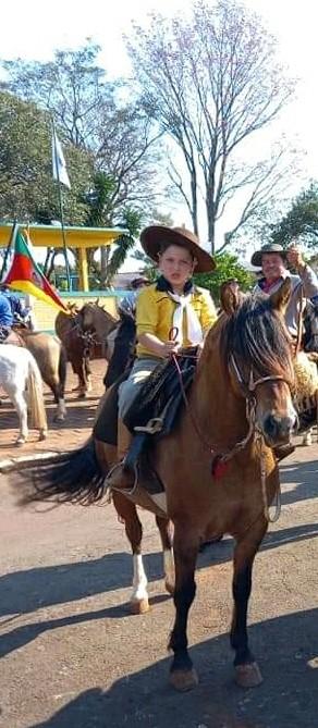 Redentora: Escola Municipal São José enaltece o gaúcho