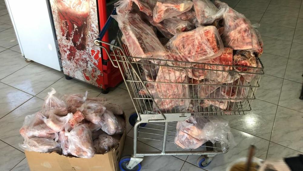 Operação apreende 2 toneladas de alimentos e autua seis estabelecimentos em São Pedro do Sul - RD Foco